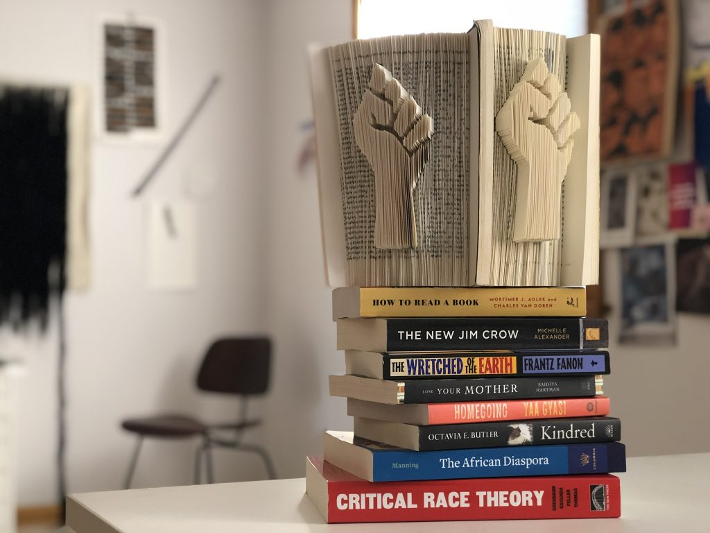 Solidarity book on books