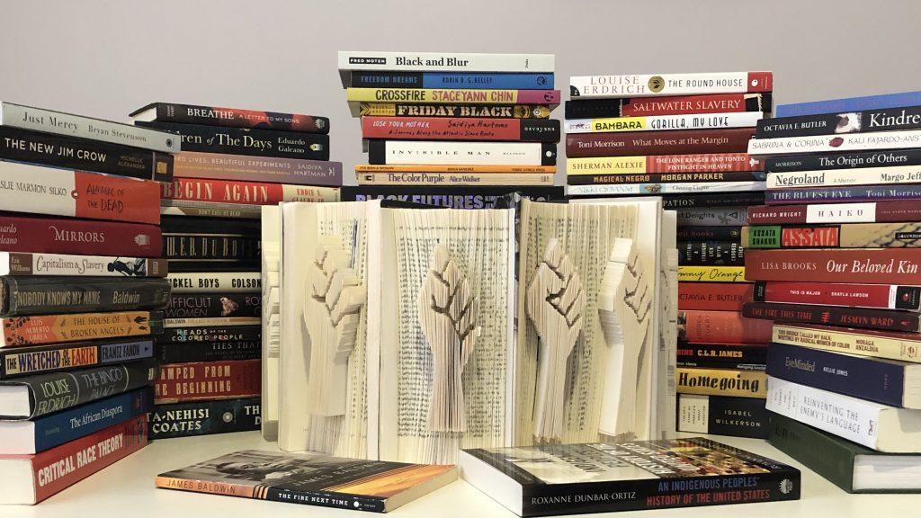 Solidarity book array